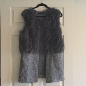Sweaters - Vest sweater with fur